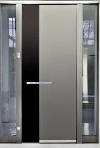 金属製の玄関ドア